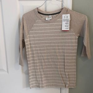 Under armour heat gear top xs NWT